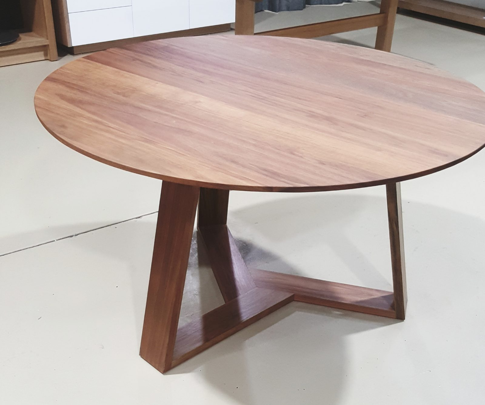 Henley Dining Table Image