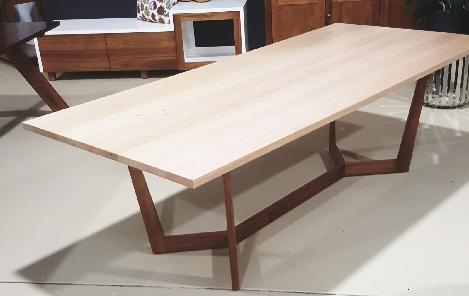Magill Dining Table Image